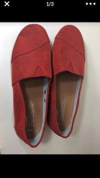 Red size 9 (women's) toms Alexandria