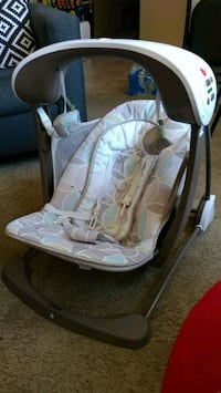 baby's white and gray bouncer Broomfield, 80020