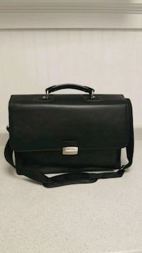 black leather 2-way bag Whitby, L1N 5Y3