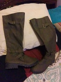 Boots size 9 leather  Marion, 62959