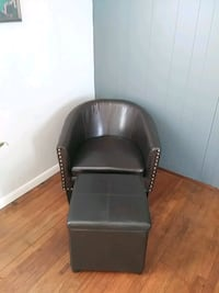 Leather chair and ottoman.  Cynthiana, 41031