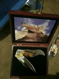 brown and silver bald eagle folding knife with box Pueblo, 81004