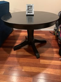 Black medium sized table