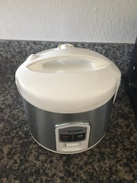 white and gray Aroma rice cooker 帕萨迪纳, 91106