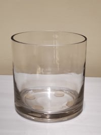LARGE, THICK, CLEAR GLASS CIRCULAR VASE Arlington, 22204