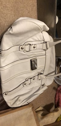 White Guess Purse Chestermere, T1X 1P5