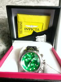 round green Invicta analog watch in box Calgary, T1Y 6J4