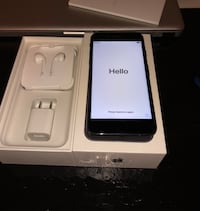 Unlocked iPhone 7 32 gb Burlington