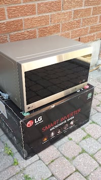 microwave oven, brand new Whitchurch-Stouffville