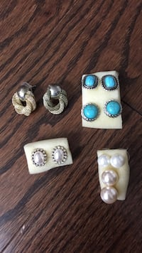 Assorted Earrings Vaughan, L6A 1X7
