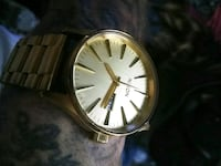 """The Sentry"" men's NIXON gold watch Vancouver, 98664"