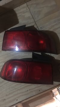 Pair of auto taillight Pasadena, 21122