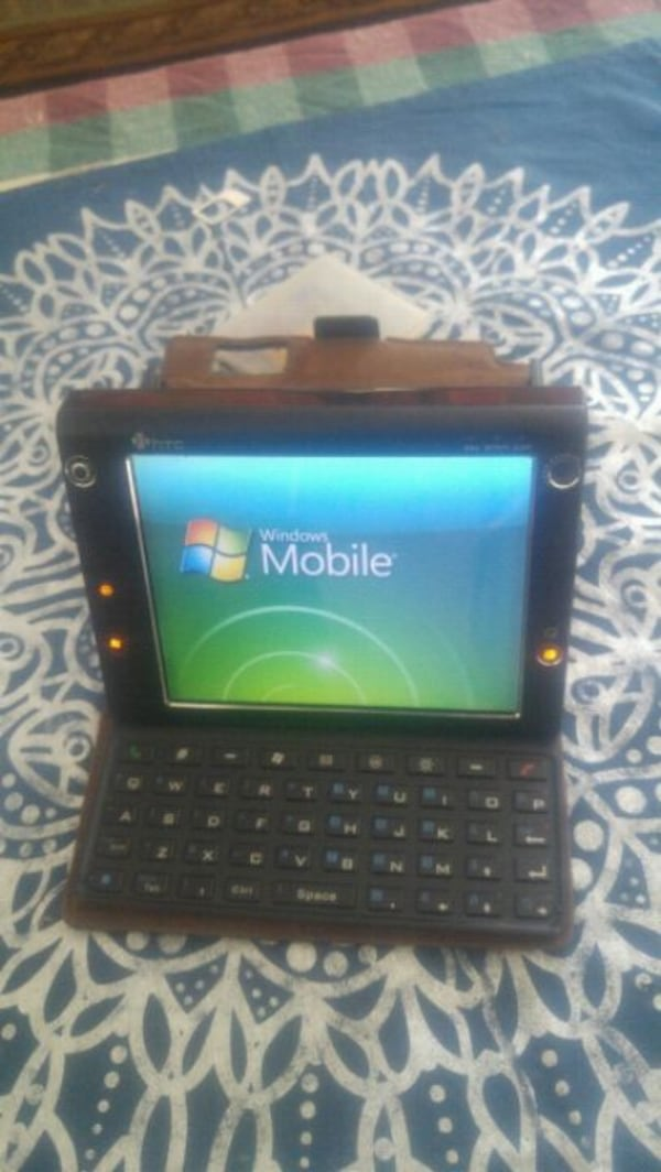 Htc mobile computing devices in good condition 81aca11d-dd01-4d26-9151-76368155891c