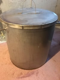 Stainless steel pot New Tecumseth, L9R 0A3