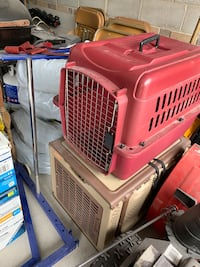 Red and Beige/Brown pet carriers Mississauga, L5K 1K8