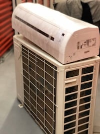 Wall Mounted Thermopompe heat and cool mint condition