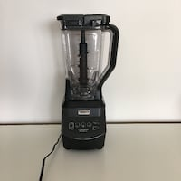 Ninja Blender - like new TORONTO