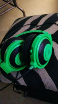 green and black corded headphones Carrollton, 75007