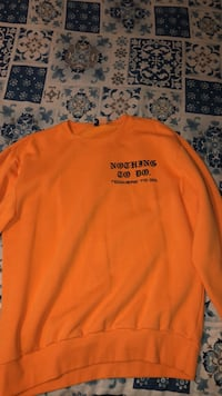 Crewneck sweatshirt orange  Winnipeg, R2X 0J6