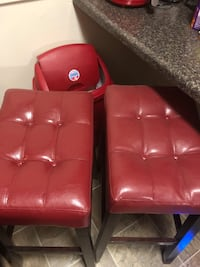 2 red and black bar stools,Great condition . Edmonston, 20781