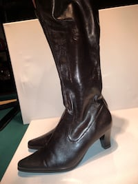 Dress Barn knee size brown boot,size 7,5 Manchester, 03102