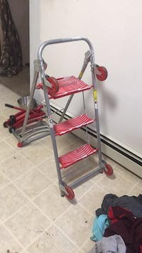 Step ladder and Dolly Minot, 58701