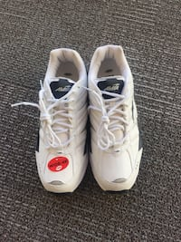 Avia White Cantilever Z02 training and tennis sneakers size 8.5 wide Sunny Isles Beach, 33160