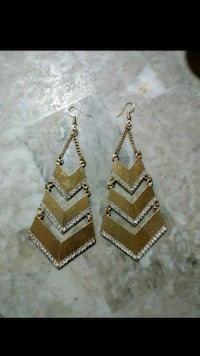 Earrings Houston, 77038