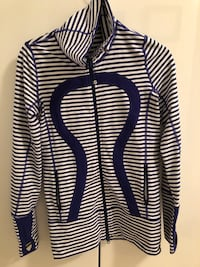 Lululemon Zip Up Excellent Condition  Toronto, M5A 4S7