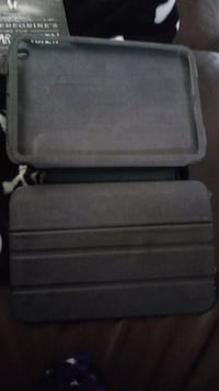 Tablet case/stand Lincoln, L0R 1B7