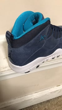 unpaired black and blue Air Jordan basketball shoe Rutherford, 07070