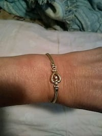 14kt.  Gold Braclet with real diamond chip. Dandridge, 37725