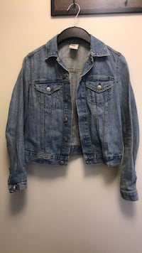 Denim jacket size small (4) Edmonton, T5R 4K3