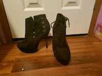 pair of black suede boots Hudson, 12534