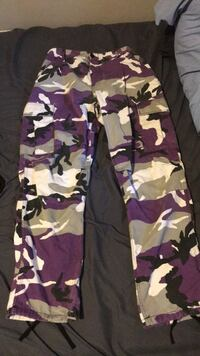 Purple camo pants Surrey, V3R 5V2