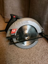 Skill saw with blades