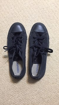 Black converse all star low top sneakers Pickering