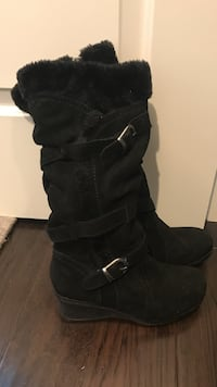 Size 7 women's boots great condition