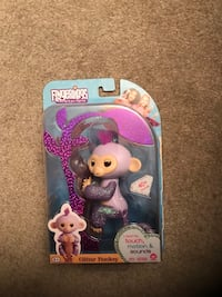 Kiki glitter girl purple Fingerling 9 km