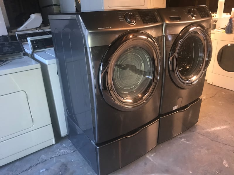 Samsung stackable stainless steel front load washer and electric 220v f8c5e2fb-9323-40e8-b9c8-51e3e7860b91