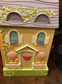 Learning Curve Caring Corners - Mrs. Goodbee Interactive Dollhouse