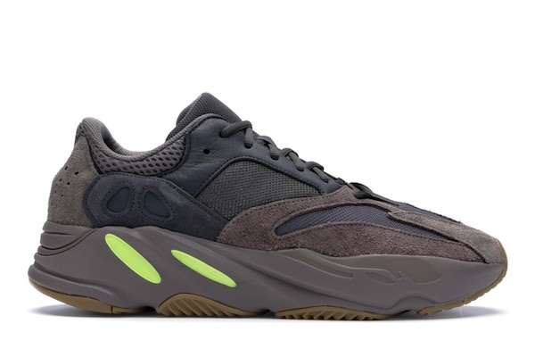 567999efe Used Yeezy 700 Mauve Size 13 New with box for sale in Smyrna - letgo
