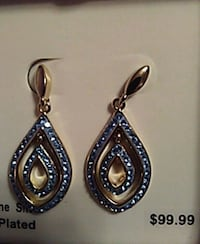pair of silver-and-blue dangling earrings Hollister, 65672