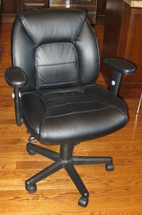 black leather office rolling armchair Vaughan, L4J 7X3