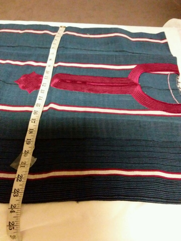 blue and red striped textile 38148be6-7783-4d86-9f9a-4567dff51991
