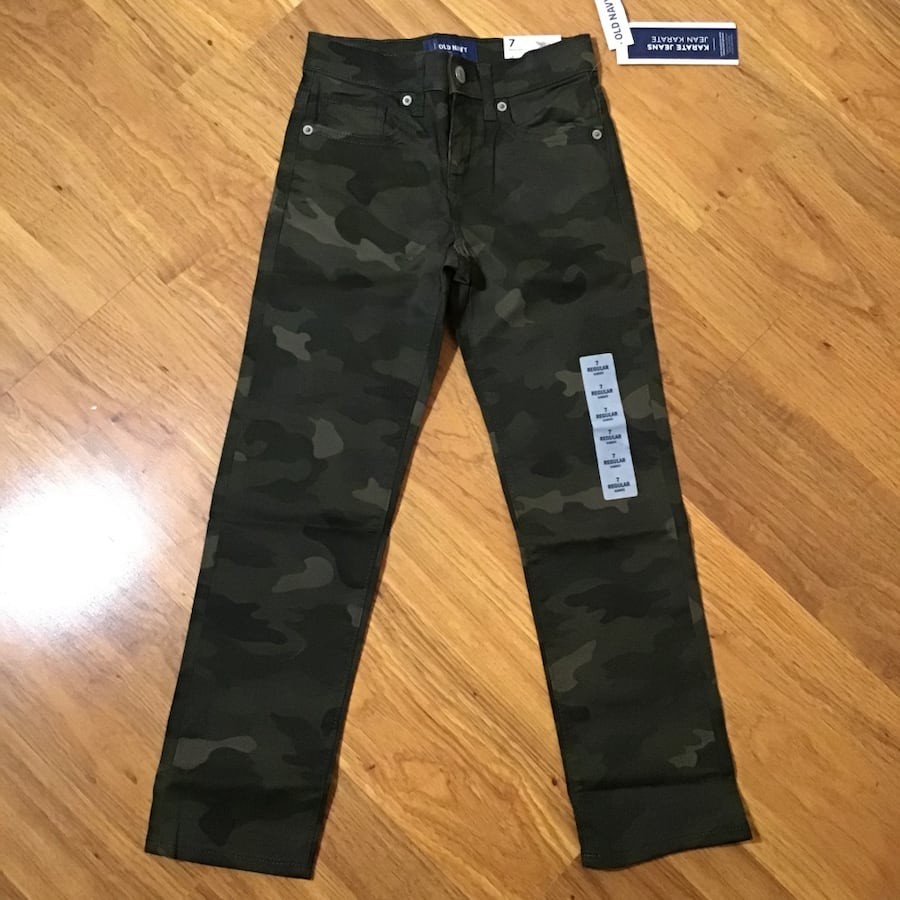 Boy's Regular Size 7 Old Navy Camo karate jeans-brand new with tags