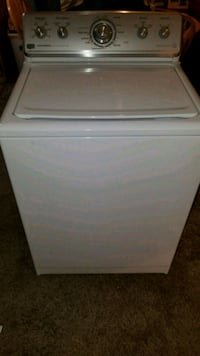 Newer Maytag washer giant capacity free delivery a Sacramento, 95842