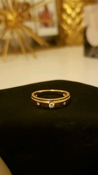 10K gold ring in size 7 with diamonds  Toronto, M4V