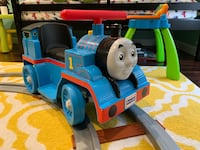 Thomas ride-on toy with track. Doesn't charge. Potomac, 20854