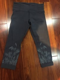 Lululemon tights size 6 Brampton, L6W 1E5